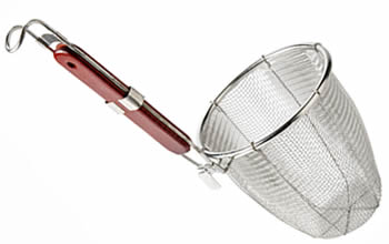 A deep stainless steel pasta strainer, with hooked wood handle in red, three outer rods bind evenly on the top wire.